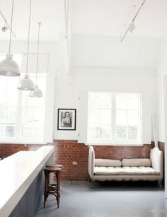 This brick wainscoting (is it called wainscoting when it's brick?) is wonderful.