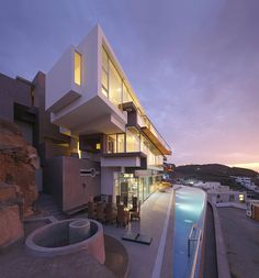 steep-rock-cliff-exposed-inside-ocean-view-home-1-site http://imgsnpics.com/beautiful-house-design-idea-9/