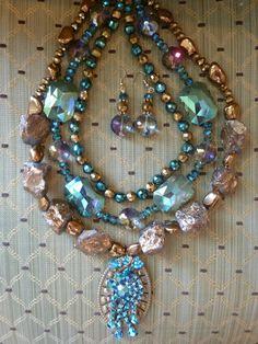 Antigue Vintage Pin, Rock and Crystal Beads Necklace
