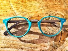 CHIC SENZA ETA' - Stile 595 in acetato bi-strato TURCHESE su FANGO. Occhiali artigianali, fatti a mano in Italia /// TIMELESS CHIC - Eyewear by Pollipò Occhiali, Rome - Italy. Handmade with love.