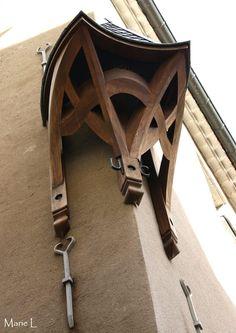 élément de charpente, maison des Compagnons, Union Compagnonnique, Nîmes