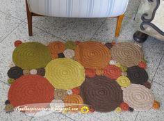 Novos modelos de tapete de crochê em barbante colorido, motivos geométricos.  Peças a venda - For sale -   www.Pontodosbord...