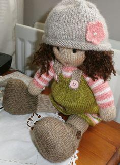 Dulcie, doll pattern by Maryjanes tearoom.