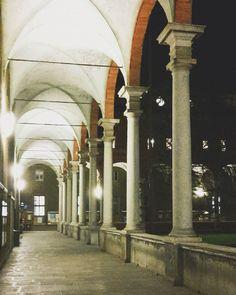 Surreale nel silenzio  #universitàcattolica#milano#milan#milanodavedere#volgomilano#volgolombardia#ig_milano#ig_lombardia#igersmilano#igerslombardia#igersitalia#volgoitalia#whatitalyis by miriamlauriola