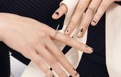 Cool 50 Minimalist Nail Art Ideas for The Lazy Cool Girl www.c… O… - NailiDeasTrends Cool 50 Minimalist Nail Art Ideas for The Lazy Cool Girl www. Nailart, Negative Space Nails, Nagellack Trends, Black Nail Art, White Nail, Black Nails, Black Art, Minimalist Nails, Minimalist Art