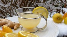 Health benefits of Lemon Tea with honey, ginger or other lemon tea recipes and how to make lemon iced tea. Drink lemon tea for weight loss, cold or flu. Cut Belly Fat, Lose Belly, Cabbage Varieties, Homemade Ginger Ale, Health Benefits Of Ginger, Water Benefits, Troubles Digestifs, Ginger Drink, Eating At Night