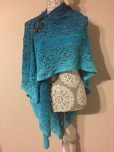 Daisy Chain Shawl - free triangular crochet pattern with charts by Kirsten Bishop