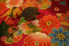 Excelent quality traditional kimono fabrics, imported directly from Japan. 100% cotton, medium weight. Perfect print with an exquisit golden touch....