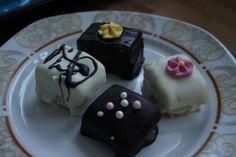 Hier seht ihr leckere verschiedene #Petit #four . Das #Rezept findet ihr wie immer auf meinem Blog und das Video dazu auf Youtube.