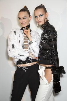 Manuela Frey and Kate Grigoreva at Atelier Versace Backstage | Haute Couture FW14-15 | Ph. Antonello Trio