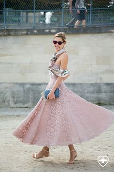 Fashionistable and Jessica Hart dancing in Paris