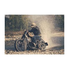 @holyfreedom #instagood #instadaily #instaphoto #instaportrait #holyfreedom #custom #picoftheday #photooftheday #moto #motorcycle #motorbike #friends #friendship #bikeride #biker #instabike #bikeporn #instamoto #matteomora
