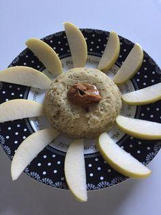 Bowl cake pomme, spéculos. Une version de bowl cake à la pomme râpée pour ceux et celles qui n'aiment pas la banane. Un petit déjeuner sain et rassasiant.