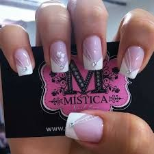 french mani w/jewels Manicure Nail Designs, French Manicure Nails, French Tip Nails, Toe Nail Designs, Manicure And Pedicure, Cute Gel Nails, Chic Nails, Cute Acrylic Nails, Love Nails