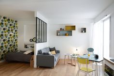 Schlafzimmer Source Home Decor Budget, Home Decor on a budget, Home Deco Studio Apartment Layout, Studio Apartment Decorating, Apartment Interior, Apartment Design, Deco Studio, Studio Apt, Small Space Living, Small Spaces, Small Appartment