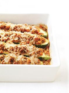 Zucchini - Quick and Easy Recipes Veggie Dishes, Vegetable Recipes, Vegetable Pizza, Bolognese, Moose Recipes, Zucchini, Parmigiano Reggiano, Quick Easy Meals, Lasagna