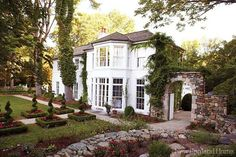 Прекрасный дом с видовыми окнами и садом | Пуфик - блог о дизайне интерьера