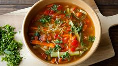 A simple, healthy and fast soup to enjoy every day http://juliennepeeler.info/julienne-soup-fast-simple/