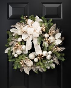 Pearl & Gold Elegance 24 Artificial Holiday Wreath at Petals / OfficeScapesDirect 591519732285677668 Diy Christmas Decorations For Home, Christmas Crafts, Christmas Ornaments, Christmas Trees, Holiday Decor, Christmas Cookies, Gold Christmas, Christmas Holidays, Diy Weihnachten