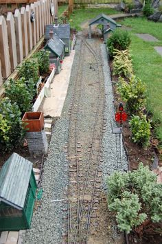 Garden Railway Forum :: Sherwood Oaks Light Railway  One more detail I must have (semaphore)