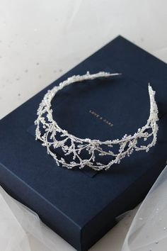 CAMBRIDGE delicate crystal crown 5