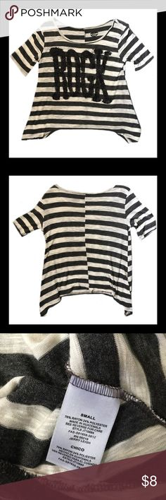 MODERN LUX Short Sleeve Shirt Gently used MODERN LUX short sleeve dressy shirt; Size small.     *****BUNDLE AND SAVE **** Tops Tees - Short Sleeve