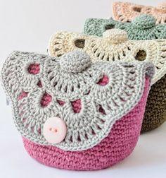 Horgolt virágos neszeszer / Mindy -  kreatív ötletek és dekorációk minden napra