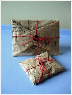Check out our collection of GIFTWRAP IDEAS using RECYCLED MATERIALS. All the ideas you will need in one place. Pin for later or head to the blog for some great ideas and beautiful giftwrap inspiration. #giftwrapideas #bestgiftwrap #wrappingpaper #howtowrapgifts #creativegiftwrap #giftwrapthemes #beatifulgiftwrap #uniquegiftwrap #bestgiftwrap #originalgiftwrap #packagingdesign #inspiringgiftwrap #prettygiftwrap #wrappingup #wrapup #ideas #recycledmaterials #recycledgiftwrap #recycle #reuse