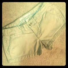Aeropostale 00 Beige Shorts Size 00 crisp beige short shorts from Aeropostale. Pre-loved, still in good condition! They just don't fit me anymore. 100% Cotton. Aeropostale Shorts