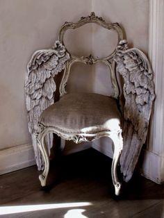 """Bellissimaさんのツイート: """"《angel wing chair》この椅子の使用法、前かがみで腰掛けうつむいた顔を両手で覆う。すると、荒廃したこの世界状況でなす術がない無力な自分に絶望する〈嘆きの天使〉が演出できるのでお薦めです。 https://t.co/YrXoBEMyRC"""""""