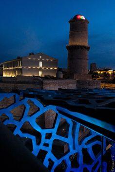 Marseille : Fort Saint Jean | Au premier plan, la structure du Mucem.