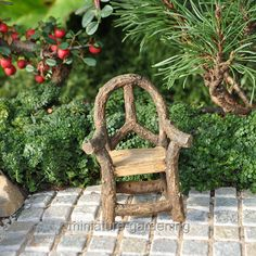 Peace Log Chair  #Miniature-Gardening.com