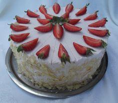 Tortaimádó: Eperhabos torta Camembert Cheese, Cake, Food, Food Cakes, Eten, Cakes, Tart, Cookies, Meals