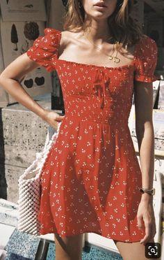 25 Eco-Friendly Red Dresses That You& Love – Sustainable Outfits Sour. 25 Eco-Friendly Red Dresses That You& Love – Sustainable Outfits Source by Trend Fashion, Look Fashion, Fashion Clothes, Feminine Fashion, Fashion Dresses, Red Fashion Outfits, Fall Fashion, Red Clothing, Fashion Shorts