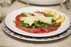 Gli ingredienti del nostro carpaccio? Gusto, Freschezza e qualità. #qualità #canova #carpaccio #parmigiano #rughetta #rucola