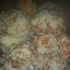 Receita de Gulabos deliciosos. Enviada por Angela Baltazar e demora apenas 45 minutos. Bolo Chiffon, Creme Brulee, Mashed Potatoes, Dairy, Menu, Bread, Cheese, Cake, Ethnic Recipes