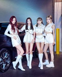 Check out my story on how to win a BLACKPINK phone case for free! Divas, Stage Outfits, Kpop Outfits, Kim Jennie, Kpop Girl Groups, Kpop Girls, Blackpink Youtube, Black Pink Kpop, Mode Rose