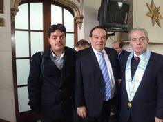 Con el congresista Luis Alva Castro y el ex-candidato a la Presidencia del Perú, Ñique, en el Colegio de Abogados. (2011)