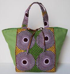 Sacs Tote Bags, Diy Tote Bag, Pouch Bag, Diy Bags Purses, Purses And Handbags, Ankara Bags, Diy Sac, Blog Couture, Diy Handbag