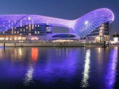 Das Luxus-Hotel Yas Viceroy in Abu Dhabi ist direkt über die Formel 1-Strecke gebaut und bietet einen eigenen Yachthafen. Mehr Infos: http://www.itravel.de/Vereinigte-Arabische-Emirate/Yas-Viceroy/5451/?utm_source=Pinterest&utm_medium=Socialmedia&utm_campaign=Pinterest