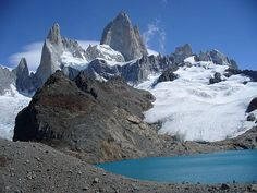 Monte Fitz Roy, 3,375 meter (11,073 ft) high mountain on the border between Argentina and Chile.