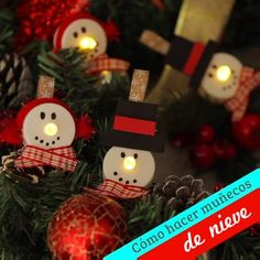 How to make snowman decorations - Start making Christmas decorations with this idea that you are going to love, it is very easy to do - Easy Christmas Ornaments, Christmas Crafts To Sell, Christmas Projects, Simple Christmas, Kids Christmas, Holiday Crafts, Christmas Decorations, Snowman Ornaments, Snowman Decorations
