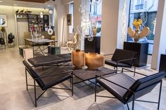 Lounge Chair, Coffee Table and Daybed at Gallery BenSimon in Paris. Danish Furniture, Furniture Design, Modular Sofa, Daybed, Lounge, Paris, Coffee, Chair, Gallery