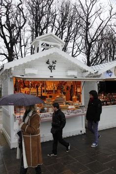 Christmas market along the Champs Elysees in Paris