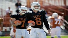 Texas Longhorns: Are they bringing in another quarterback?