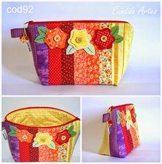 Artesanato Candido Artes: bolsinha em patchwork colors com aplique de flor...
