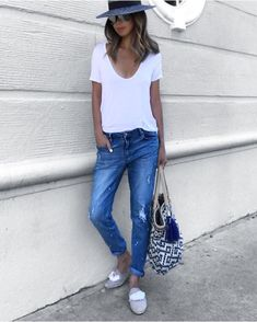 30 Casual Summer Outfits With Jeans You Should Copy