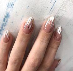 Love nails, almond nail art, almond shape nails, acrylic nails for summer. Gold Nail Art, Gold Nails, Stiletto Nails, Fun Nails, Coffin Nails, White Nails, Glitter Nails, Acrylic Nails, Abstract Nail Art