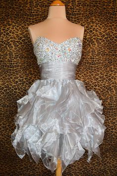 Tidetell.com Exquisite Ball Gown Sweetheart Short Organza Homecoming Dress with Rhinestone Sequin, ball gown homecoiming dresses, organza homecoiming dresses, beaded homecoiming dresses, strapless homecoiming dresses, party dresses, graduation dresses, short prom dresses