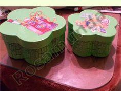 Caja decorada con decoupage y craquelada